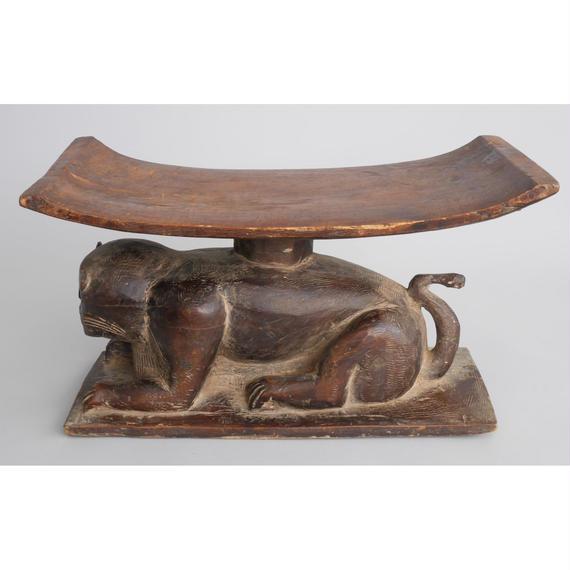 no5.  豹の椅子