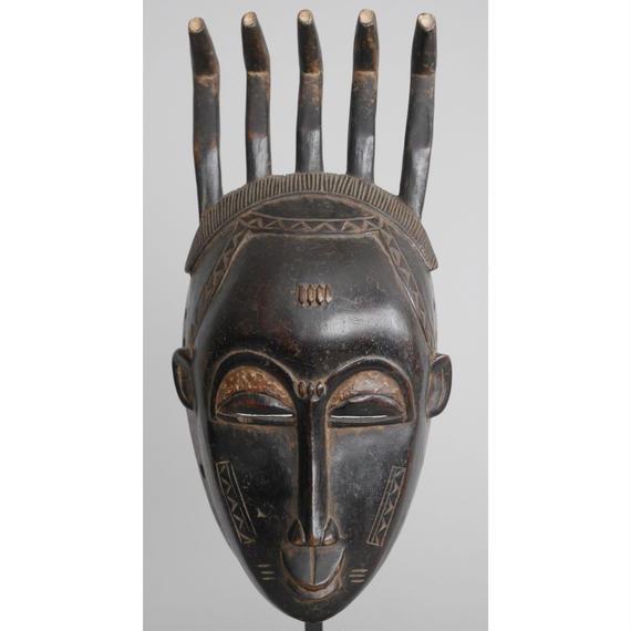 no19. 女性のマスク