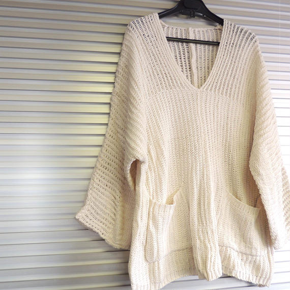Knit sweater  / Offwhite