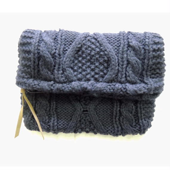 Knit clutch bag  /  Navy