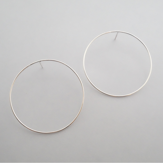 line pierce(circle L)