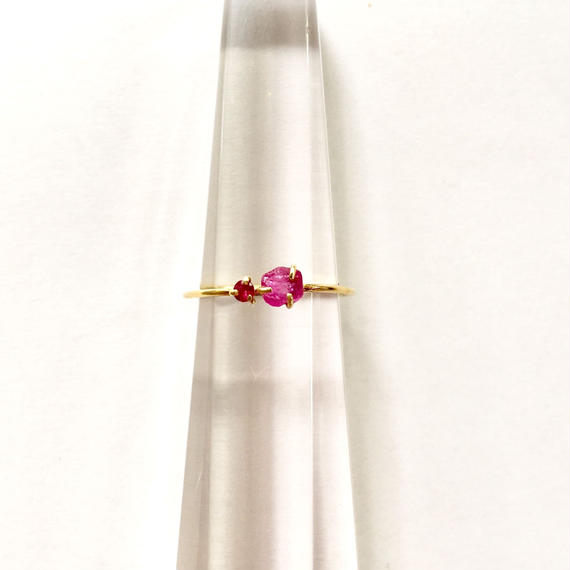 Tiny juicy ring  / Ruby