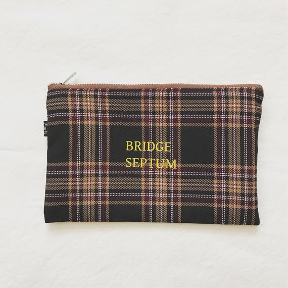 BRIDGE SEPTUM T/R タータンポーチ ブラウン