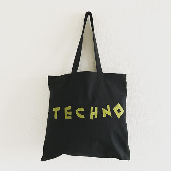 TECHNOトート ブラック