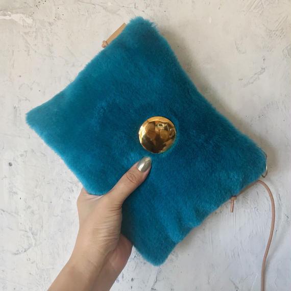 fur  shoulder  bag (blue)