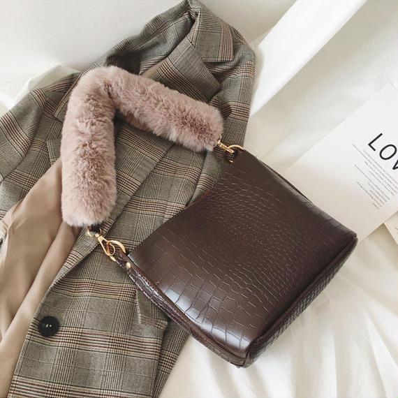 4color 2way fur strap bag/2way ファー ストラップ バッグ