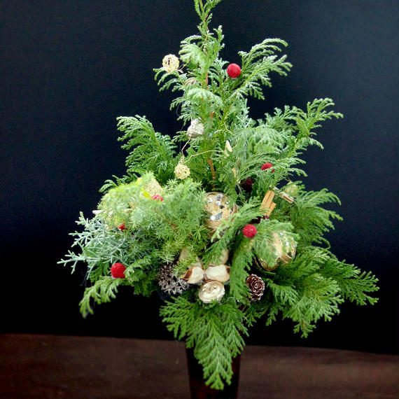 クリスマスグリーンの香りに癒されるナチュラルグリーンツリー
