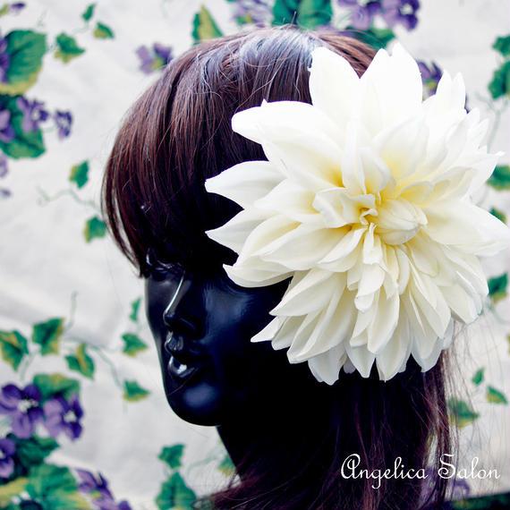 和装 結婚式 卒業式にも!アーティフィシャルフラワー  ホワイトダリア 花髪飾り 大振りで存在感 ウェディングドレスにも
