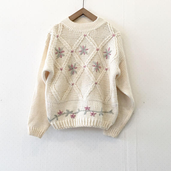 used flower knit