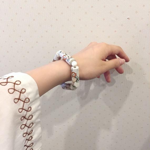flower design bracelet