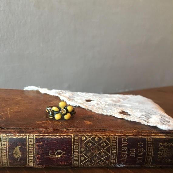 仏アンティーク 花が付いたリング