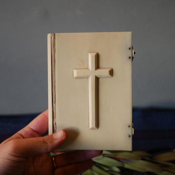 フランスアンティーク 聖書 十字架 アイボリー