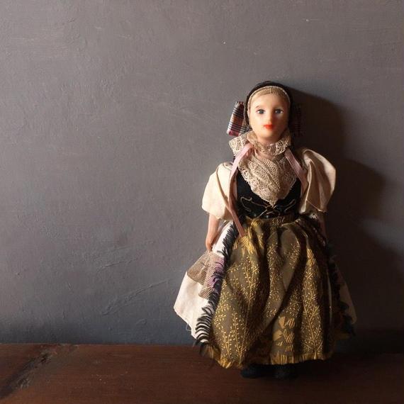 フランス アルザス地方のお人形 アンティーク
