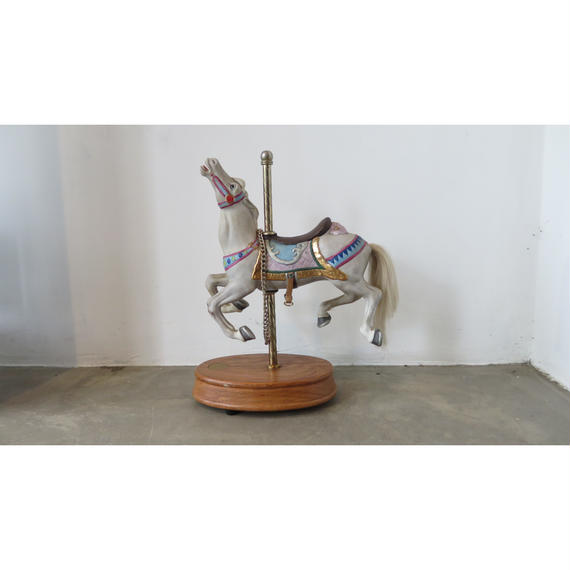 vintage ceramic Merry-go-round (Music box with Joy to the world)