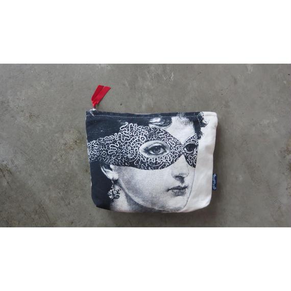 "Chase & Wonder washing bag  "" Lady in the mask"""
