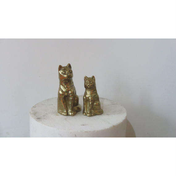 Brass cats object