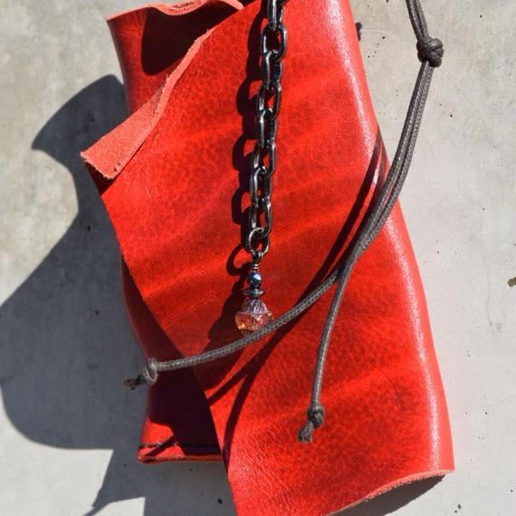 """ショルダーレザー 2mm カード&キーケース ネックレス""""shoulder leather 2mm  card&key case necklace (blood)"""""""