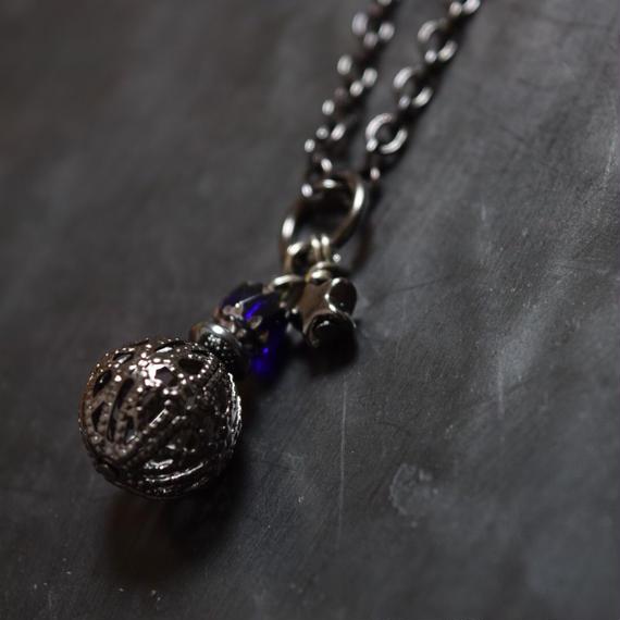 """ブラス スフィア ネックレス(ネイビー)""""brass sphere necklace(NAVY)"""""""