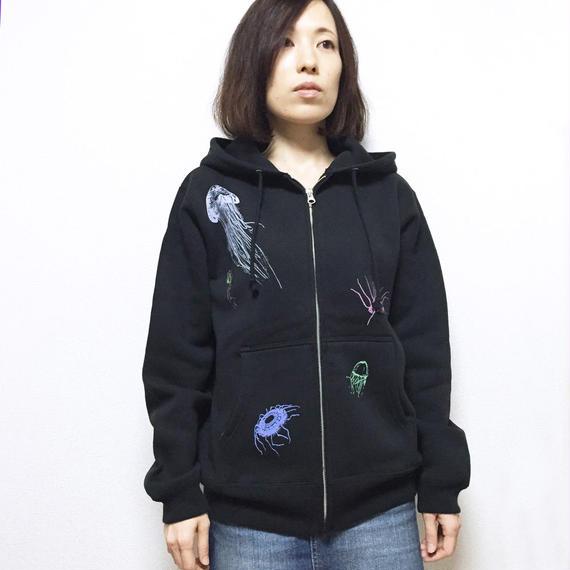 【予約受付12/24迄】パーカー(裏起毛)深海のクラゲたち 黒 ブラック