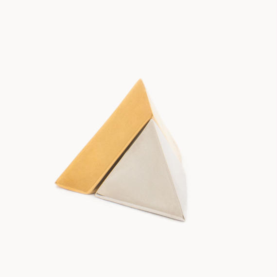 Pyramid shaped earring | Gold/Silver