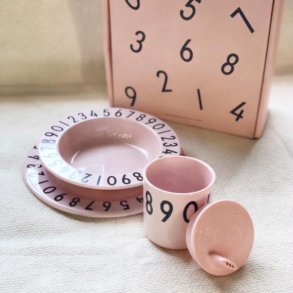 0-9  食器4点セット ピンク  ベビーキッズ