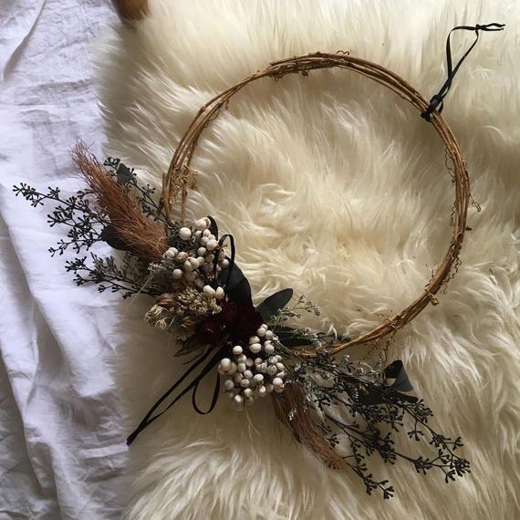 wreathe :  horse