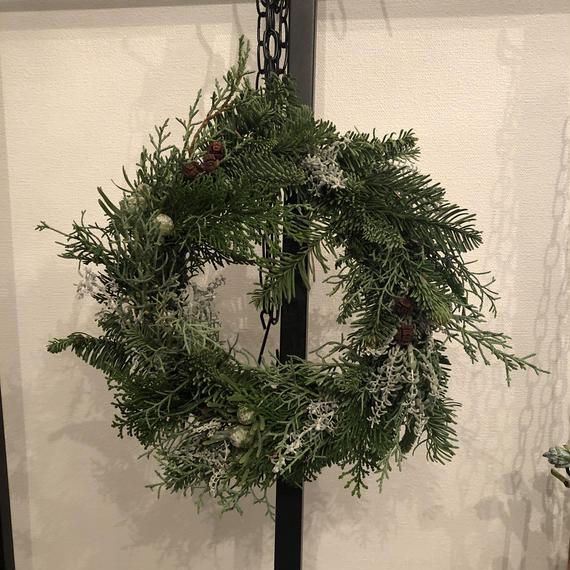 針葉樹のクリスマスリース