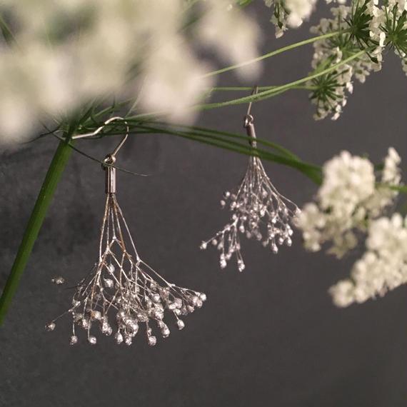 耳飾り かすみ草の踊り子 = silver =