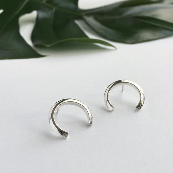 Theo III  pierced earring in silver