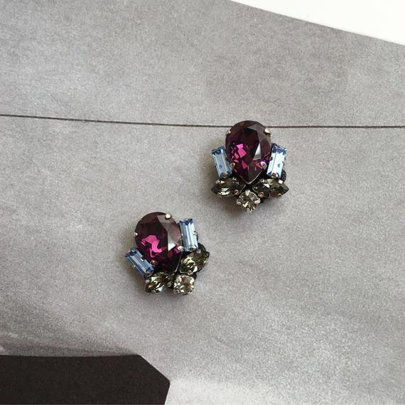 Bijoux earring in purple