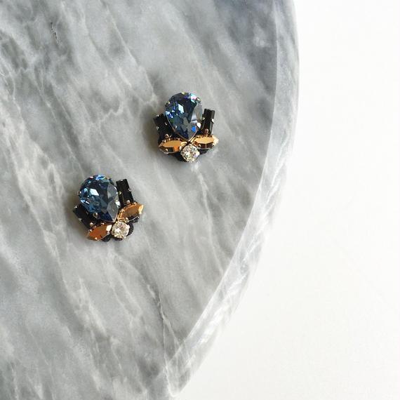 Bijoux earring in blue