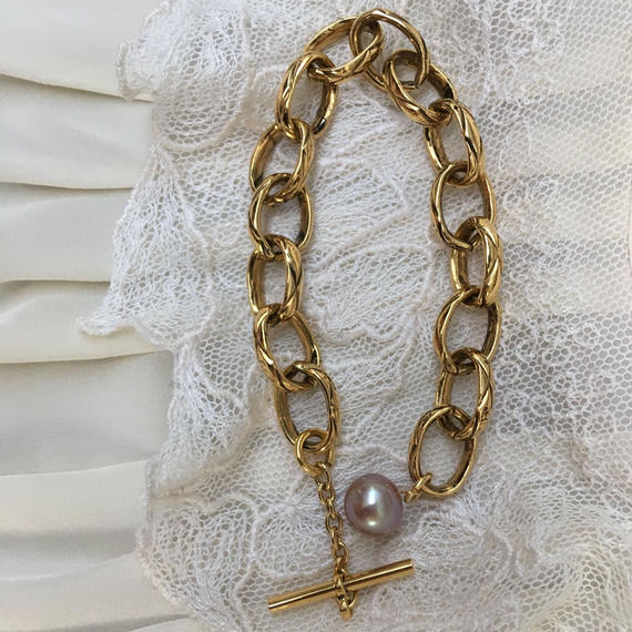 Vintage Gold Chain and Pearl Bracelet by freaqu