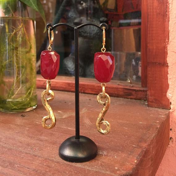 freaque pink stoneとゴールドパーツのピアス