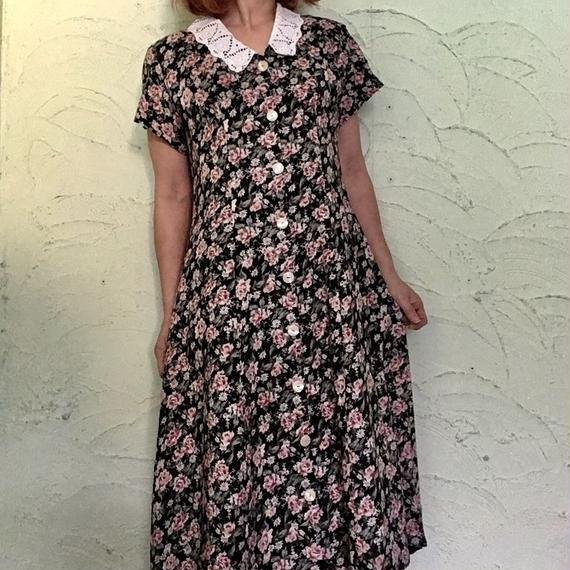Vintage Lace Collar Floral  Dress