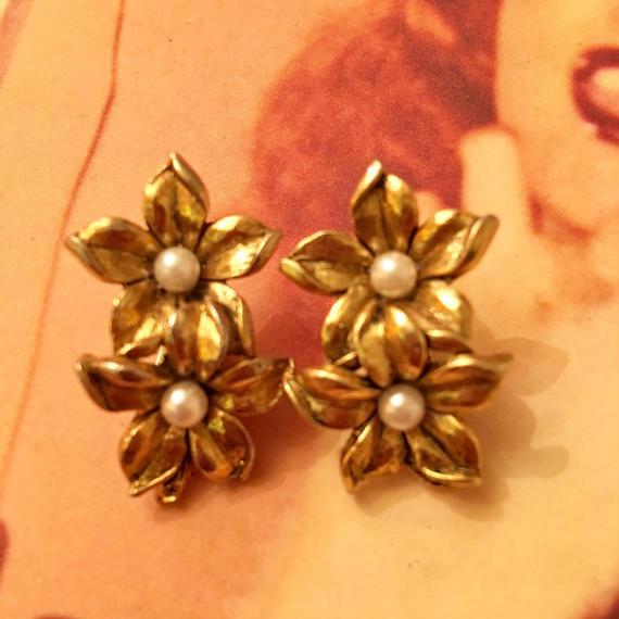 Vintage Gold Flower Earrings