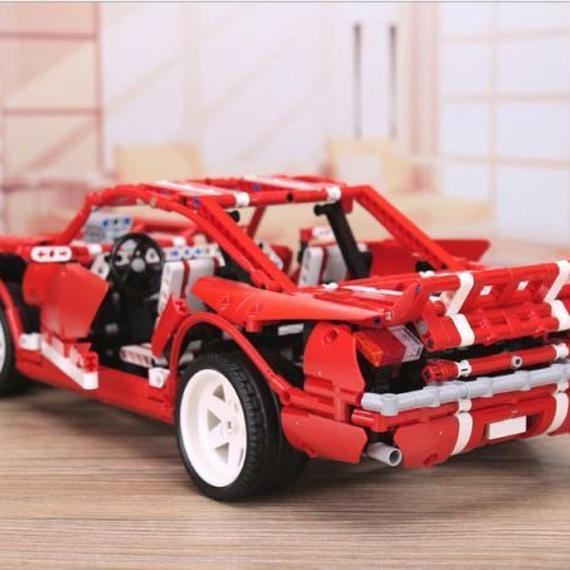 【送料無料!】レゴ互換 フォード マスタング 2000ピース マッスルカー ブロックおもちゃ Xingbao moc【新品】