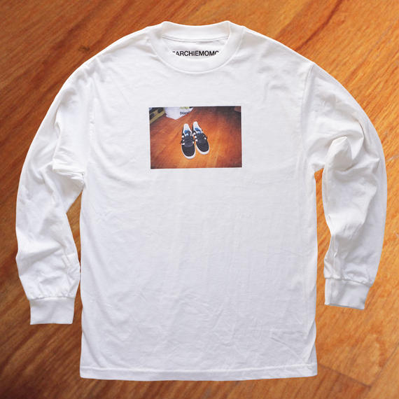 Three Lines Shoes L/S Tee