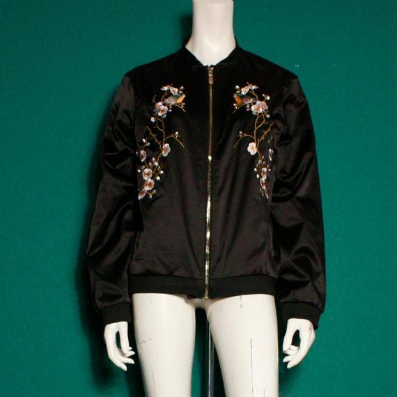【migration】Enbroidery nylon Jacket