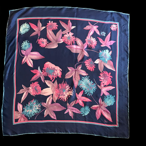 Leaf patten scarf / 葉柄スカーフ