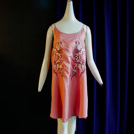 【AHCAHCUM/あちゃちゅむ】テンセルシルク龍刺繍チュニック / ピンク
