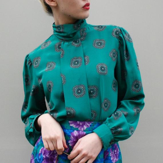 Green out-box pleats shirt / グリーンアウトボックスプリーツブラウス