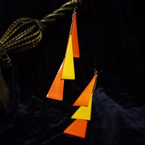 1970's Vintage Triangle Pierce