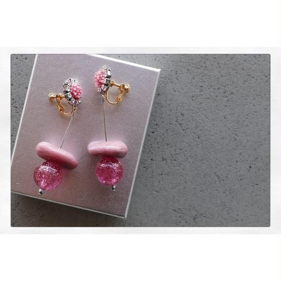 【Earing】Vintage pink swing bijou