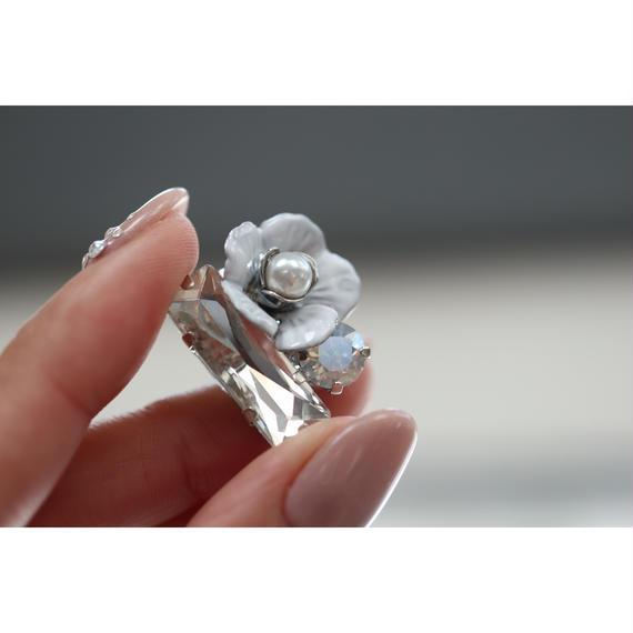 white  flower bijou