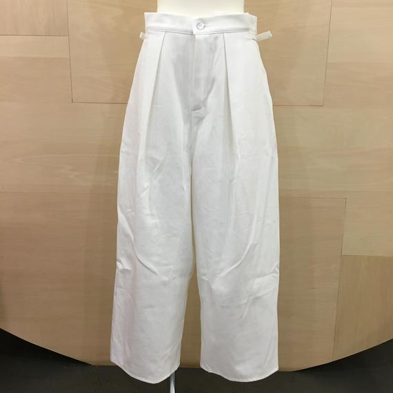 AQUVI WARDROBE / CONTROL WIDE PANTS (WHITE)
