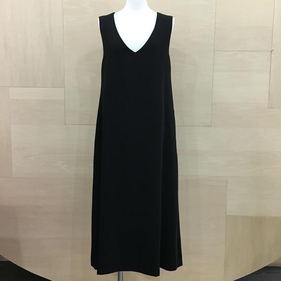 Graphpaper  / GM183 60023 / Satin V Neck Sleeveless Dress (BLACK)