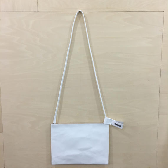 Aeta / LE20 / FLAT SHOULDER BAG (L) (WHITE)