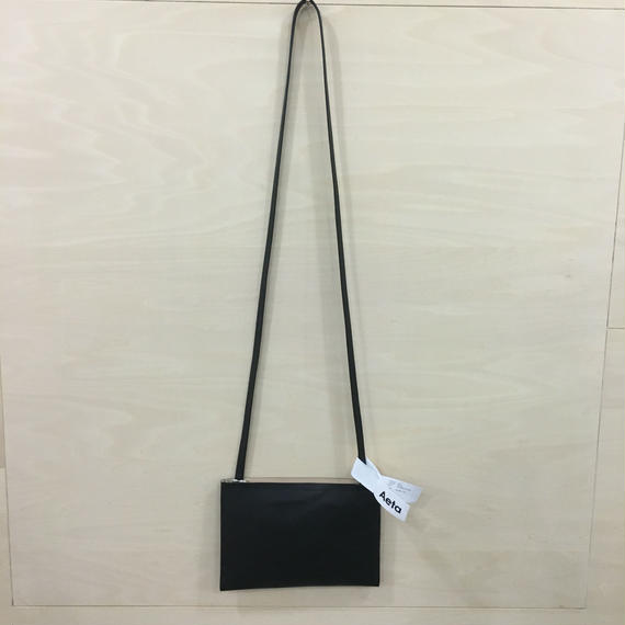 Aeta / LE19 / FLAT SHOULDER BAG (S) (BLACK)