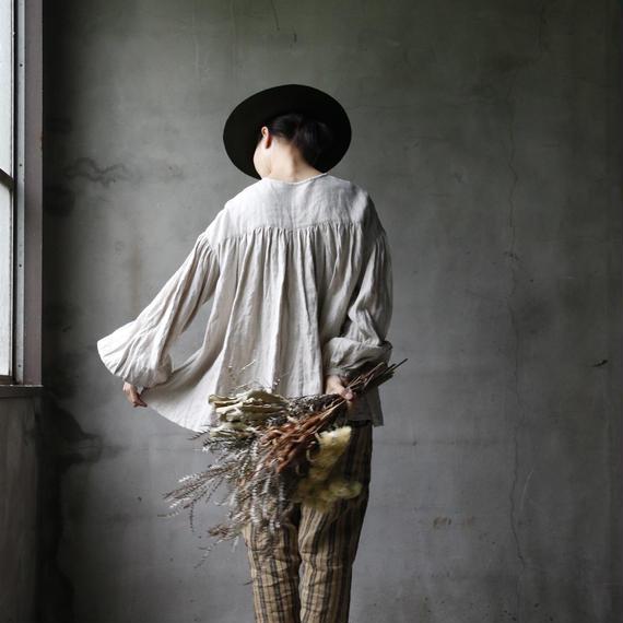 cavane キャヴァネ / 【受注】Back gather blouseバックギャザーブラウス / ca-18073