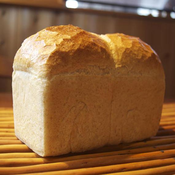 全粒粉(一斤型イギリスパン)